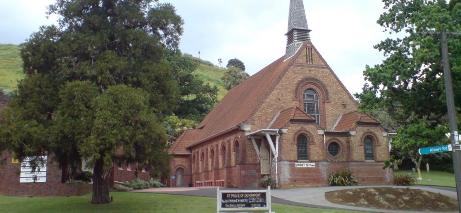 New Zealand study finds correlation between church attendance and adolescent obesity